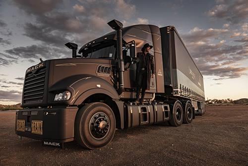 Johnathan Thurston in Drizabone on Black Mack Super-Liner