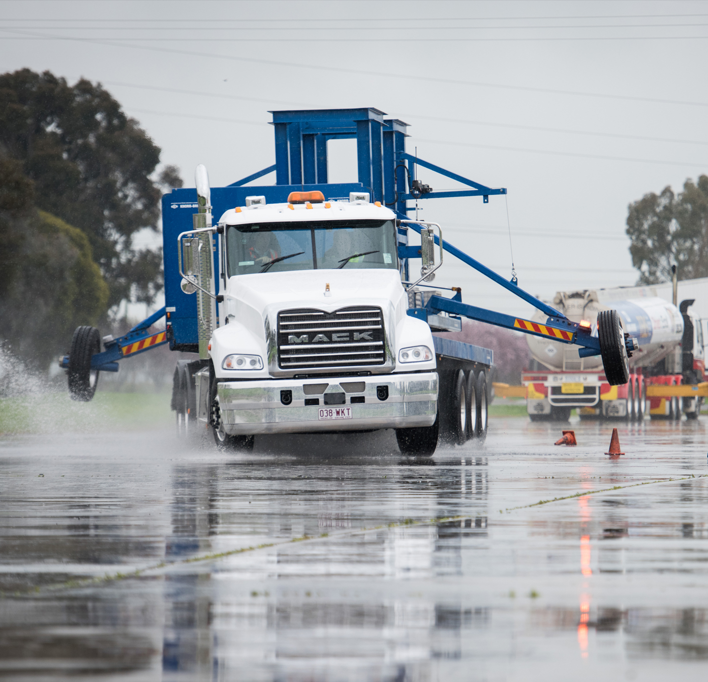 Mack Road Stability Advantage (RSA) - Mack Trucks Australia