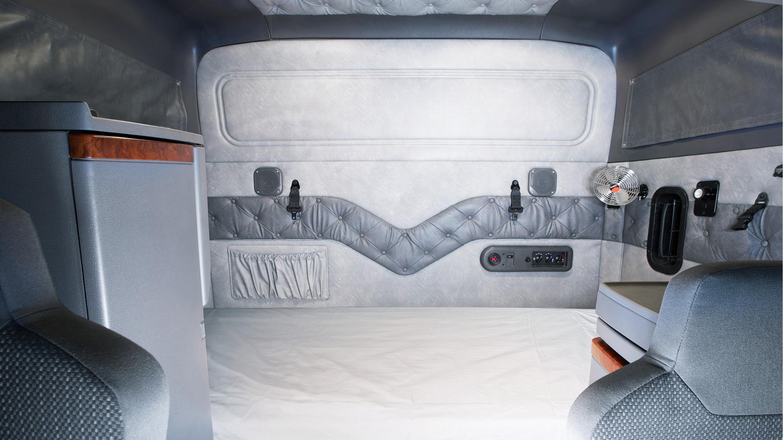 "Mack Trucks Australia - Super-Liner 60"" Sleeper Cab"
